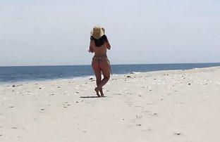 Djevojke na nudističkoj plaži (28 fotografija)